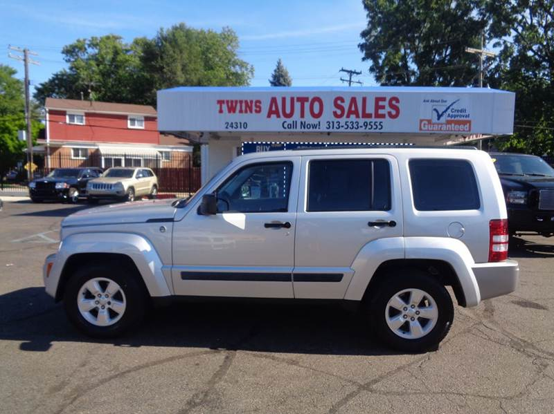 2010 JEEP LIBERTY SPORT 4X4 4DR SUV silver 2010 jeep liberty sport super cleanmust seewe fi