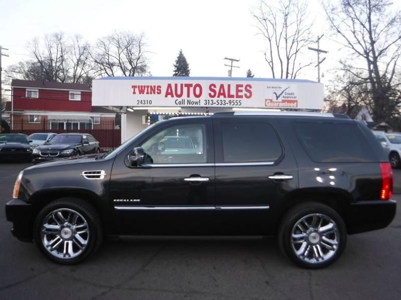 2010 CADILLAC ESCALADE PLATINUM EDITION AWD 4DR SUV black 2010 cadillac escalade platinum super