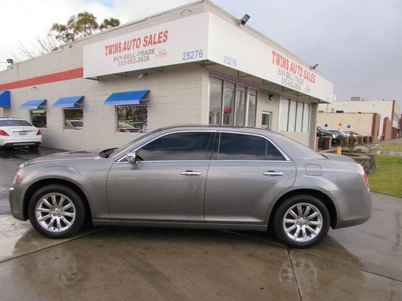 2011 CHRYSLER 300 LIMITED 4DR SEDAN gray 2011 chrysler 300 limited  super cleanfinancing avail