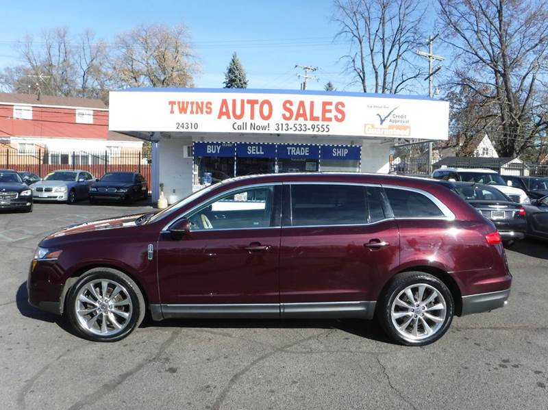 2011 LINCOLN MKT ECOBOOST AWD 4DR CROSSOVER maroon 2011 lincoln mkt ecoboost awdmust see  su