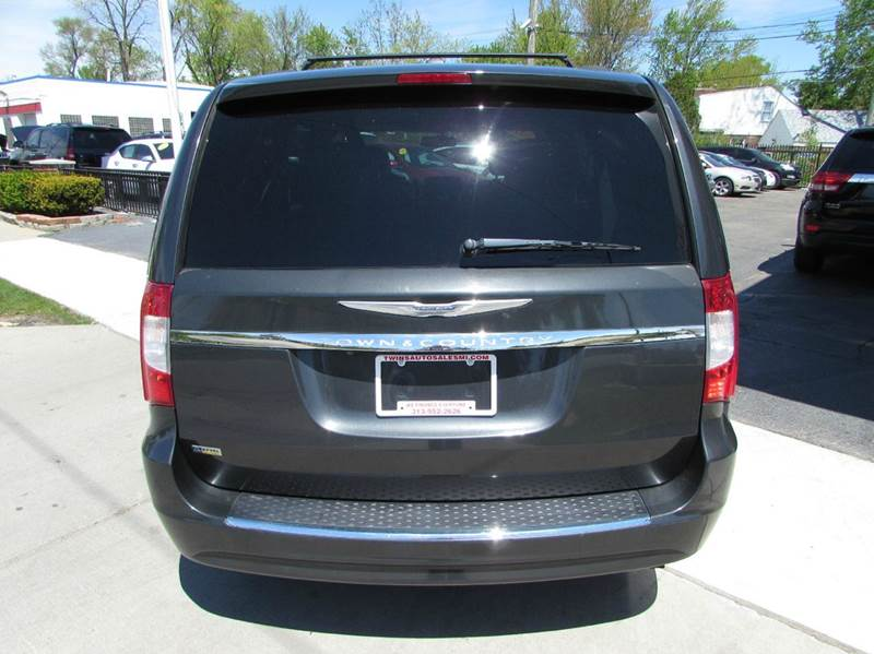 2012 chrysler town and country touring 4dr mini van in detroit mi. Cars Review. Best American Auto & Cars Review