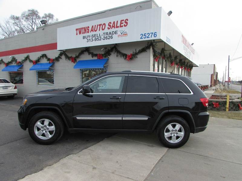 2011 JEEP GRAND CHEROKEE LAREDO 4X4 4DR SUV black 2011 jeep grand cherokee laredo super cleanm