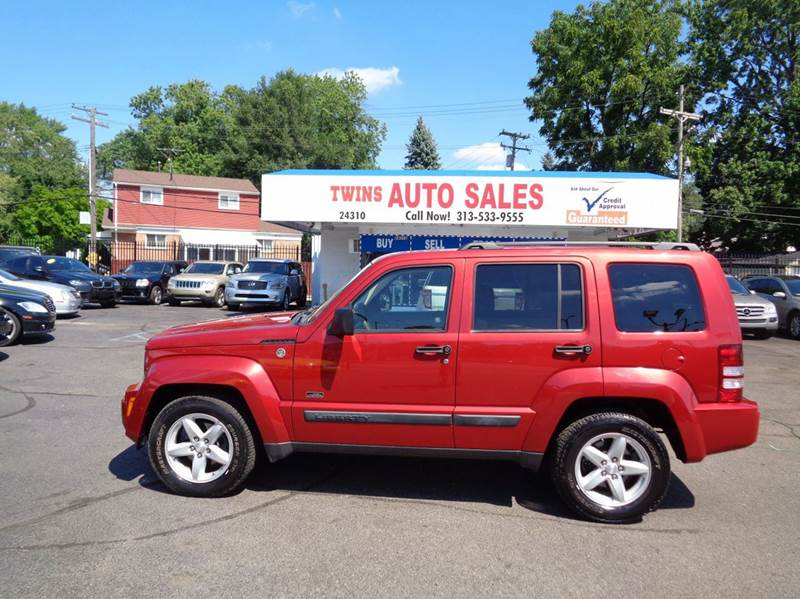 2009 JEEP LIBERTY SPORT 4X4 4DR SUV red 2009 jeep liberty sport  super cleanmust seewe fina
