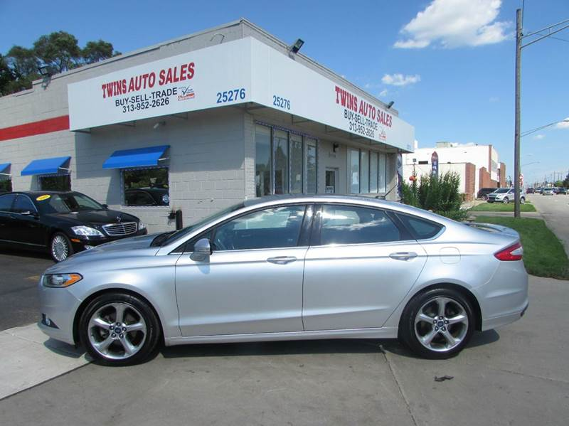 2013 FORD FUSION SE 4DR SEDAN silver 2013 ford fusion se super cleanmust seewe finance aut