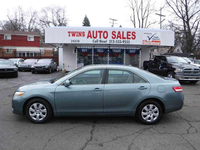 2011 TOYOTA CAMRY LE 4DR SEDAN 6A blue 2011 toyota camry le super cleanmust seewe finance