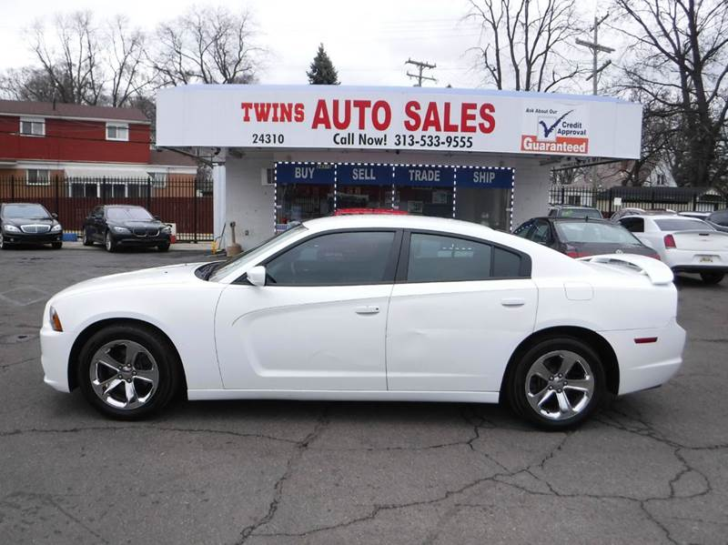 2013 DODGE CHARGER SE 4DR SEDAN white 2013 dodge charger se like newlow milesfinancing avail
