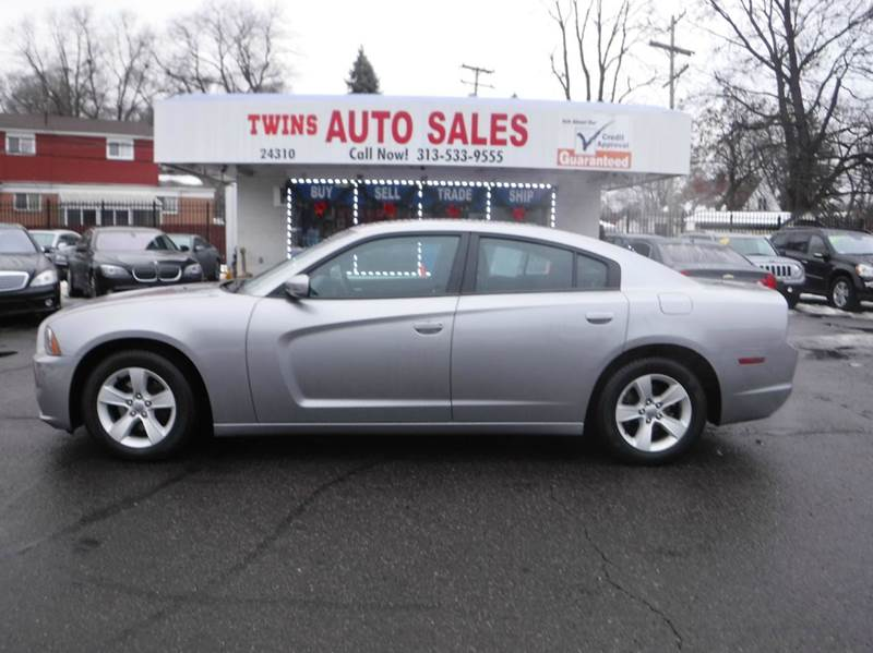 2014 DODGE CHARGER SE 4DR SEDAN silver 2014 dodge charger se like newlow milesfinancing avai