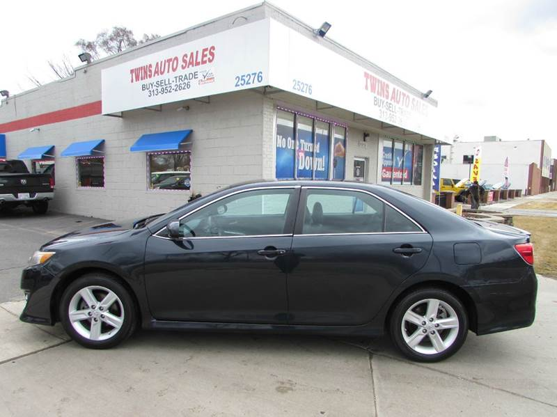 2014 TOYOTA CAMRY SE 4DR SEDAN green 2014 toyota camry se super cleanlow milesfinancing avai
