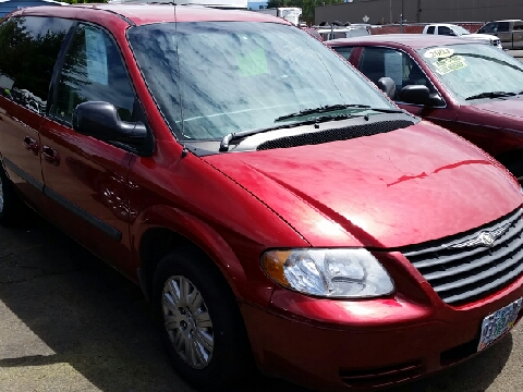 2006 Chrysler Town and Country for sale in Molalla, OR