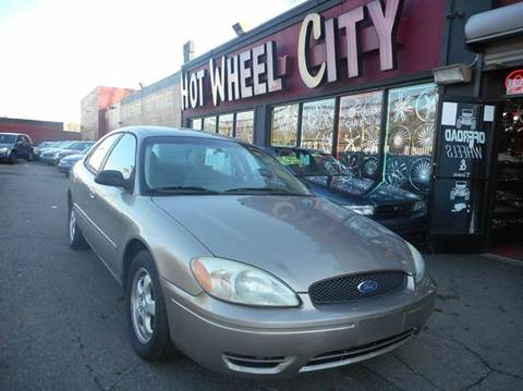 2005 Ford Taurus for sale in Detroit, MI