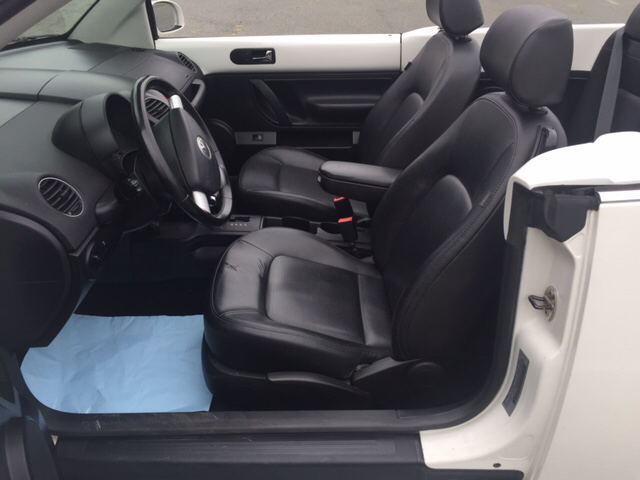 2010 Volkswagen New Beetle Base PZEV 2dr Convertible - Fredericksburg VA