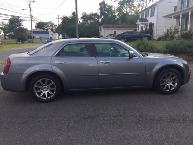 2006 Chrysler 300 C 4dr Sedan - Fredericksburg VA