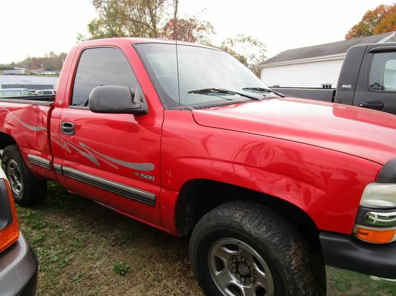 1999 CHEVROLET SILVERADO 1500 BASE 2DR 4WD STANDARD CAB SB red abs - 4-wheel bumper detail - rea