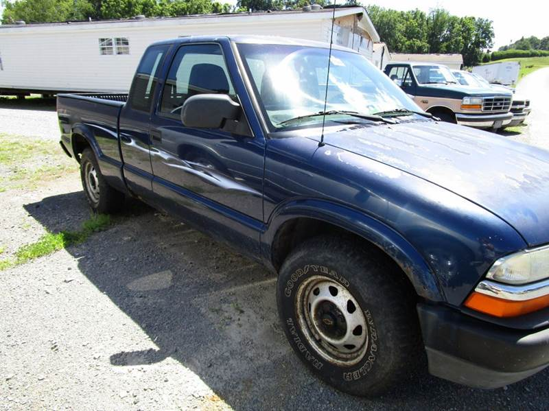 2003 CHEVROLET S-10 BASE 3DR EXTENDED CAB 4WD SB blue abs - 4-wheel axle ratio - 342 center co
