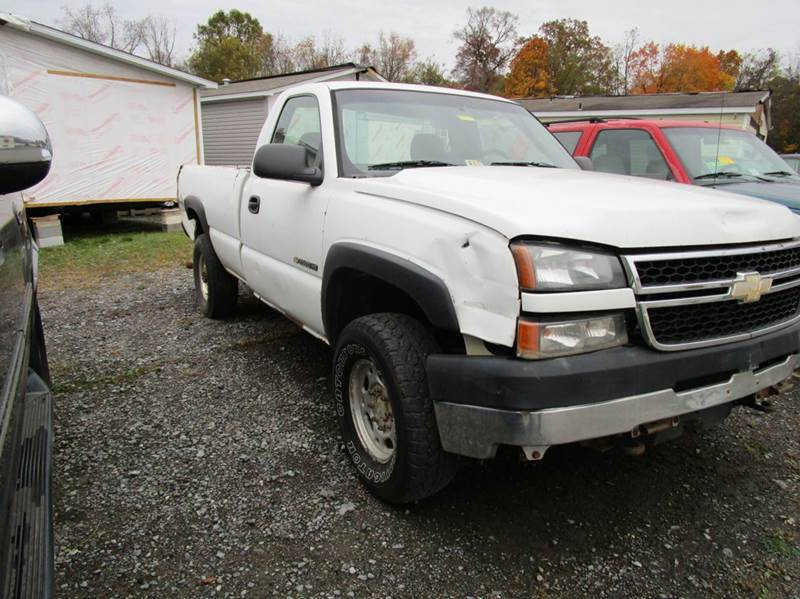 2006 CHEVROLET SILVERADO 2500HD WORK TRUCK 2DR REGULAR CAB 4WD L white 4wd type - part time abs