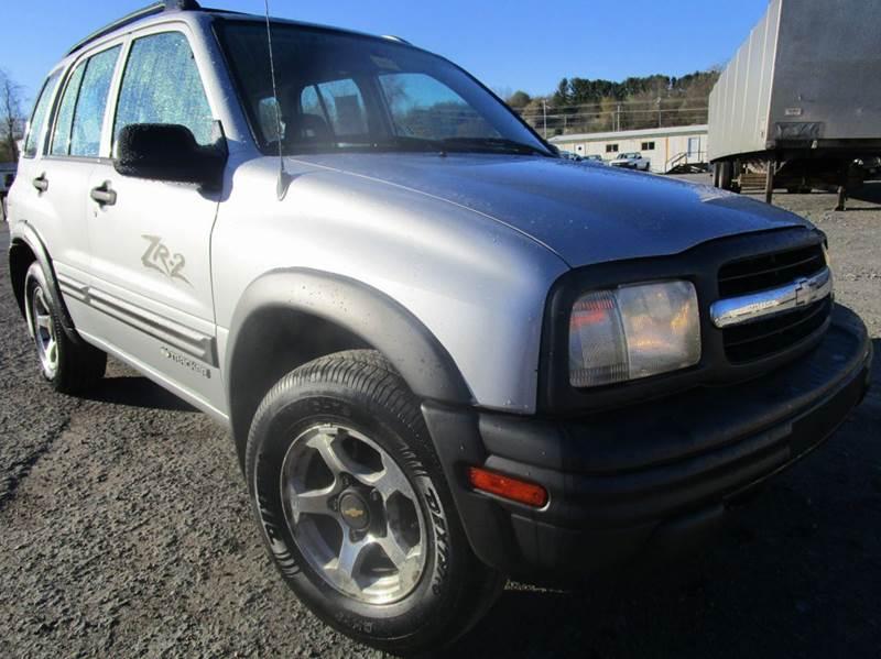 2002 CHEVROLET TRACKER ZR2 4WD 4DR SUV silver axle ratio - 487 center console clock cruise co