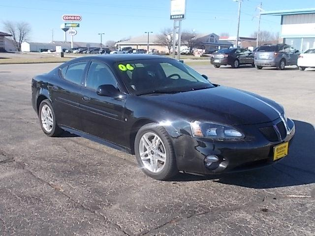 2006 pontiac grand prix for sale in iowa. Black Bedroom Furniture Sets. Home Design Ideas