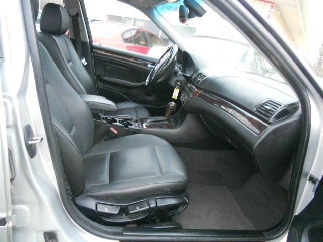 2005 BMW 3 Series 325i 4dr Sedan - Lee'S Summit MO