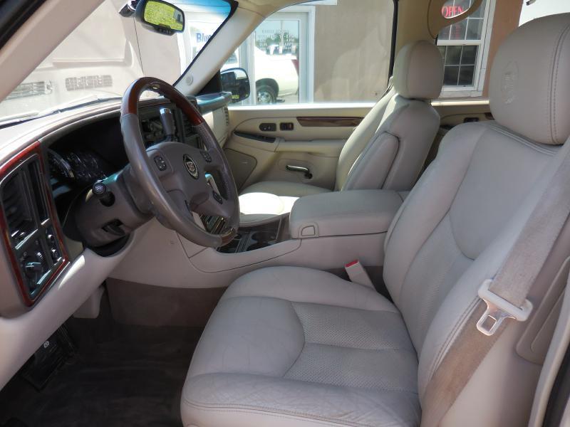 2005 Cadillac Escalade EXT AWD 4dr Crew Cab SB - Stilwell KS