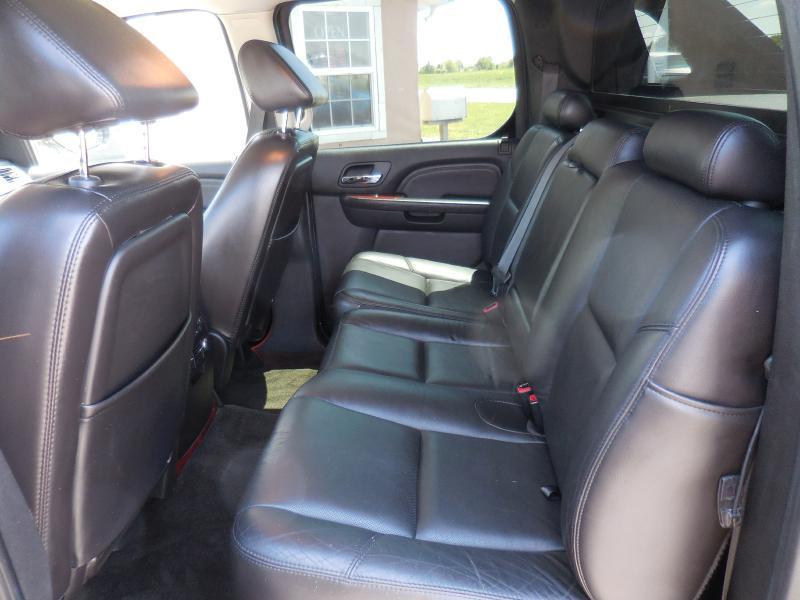 2007 Cadillac Escalade EXT Base AWD 4dr Crew Cab SB - Stilwell KS