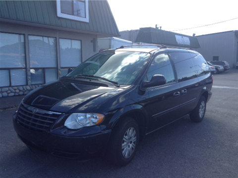 2005 Chrysler Town and Country for sale in Pacific, WA