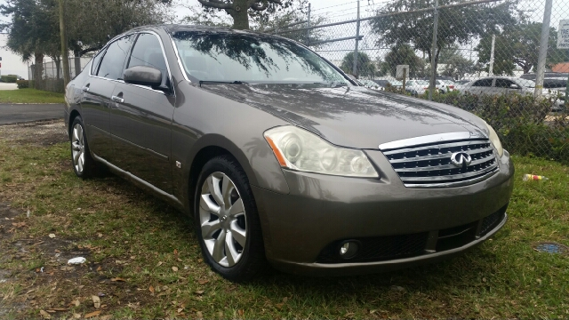 2006 INFINITI M35 BASE 4DR SEDAN gold for more information call 3059280701 or text me for a bette