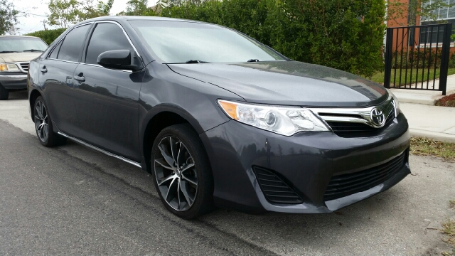 2012 TOYOTA CAMRY XLE 4DR SEDAN grey for more information call 3059280701 or text me for a better