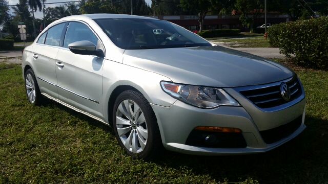 2010 VOLKSWAGEN CC SPORT 4DR SEDAN 6A ENDS 1009 silver for more information call 3059280701 or