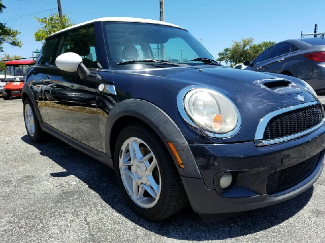 2007 MINI COOPER S 2DR HATCHBACK black 2-stage unlocking doors abs - 4-wheel air filtration ai