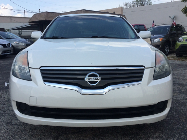 2009 NISSAN ALTIMA 25 4DR SEDAN white 2-stage unlocking doors abs - 4-wheel active head restra