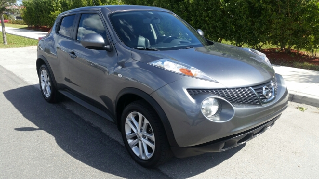 2011 NISSAN JUKE SL 4DR CROSSOVER CVT unspecified for more information call 3059280701 or text me