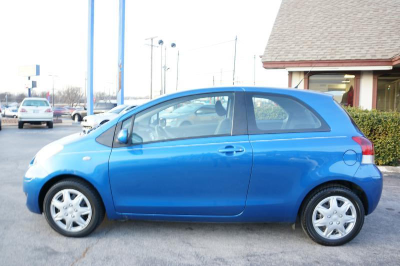 2010 Toyota Yaris Base 2dr Hatchback 4A - Oklahoma City OK