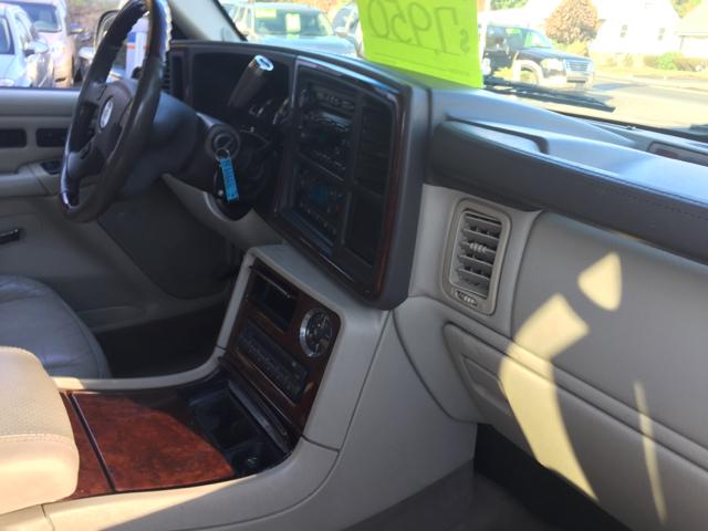 2005 Cadillac Escalade Base AWD 4dr SUV - Bristol CT