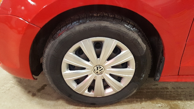 2011 Volkswagen Jetta 4dr Sedan 5M - Appleton WI