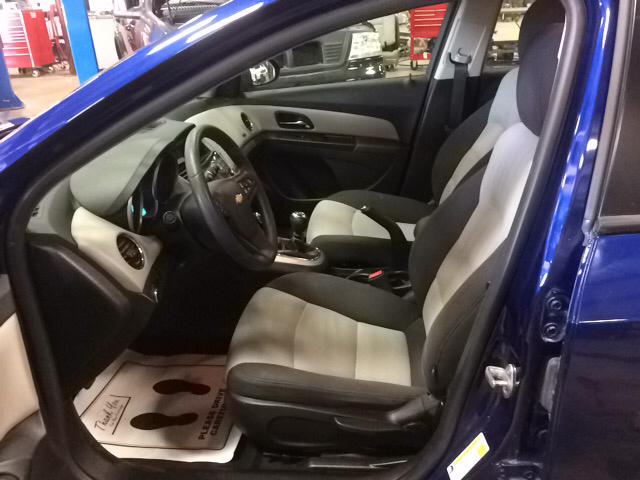 2013 Chevrolet Cruze LS Manual 4dr Sedan w/1SA - Appleton WI