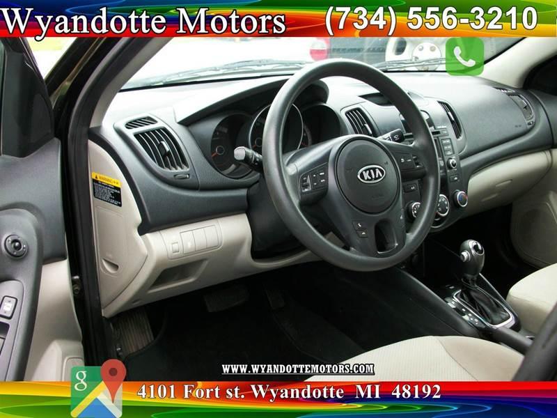 Kia Forte Ex Sedan In Wyandotte Mi Wyandotte Motors