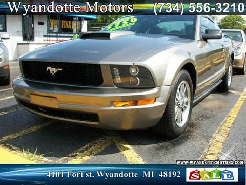 2005 Ford Mustang for sale in Wyandotte, MI
