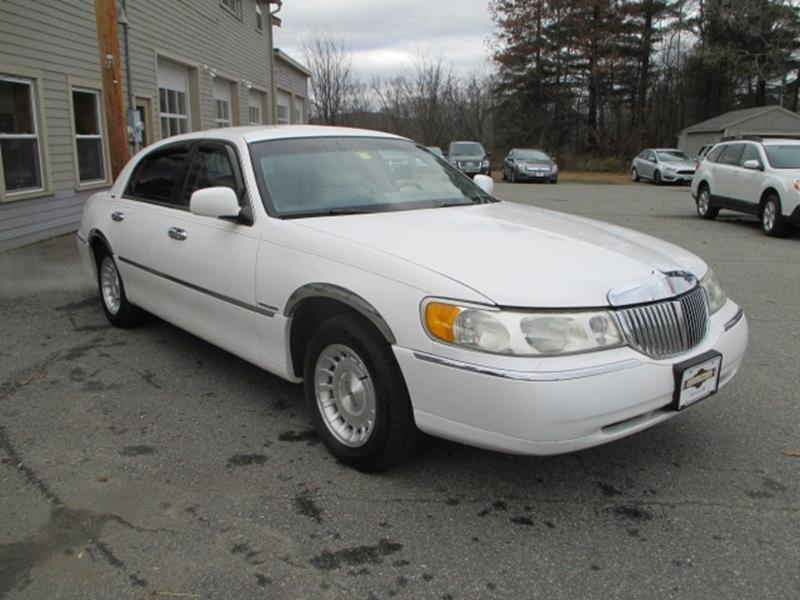 1999 Lincoln Town Car Executive 4dr Sedan - Lancaster NH