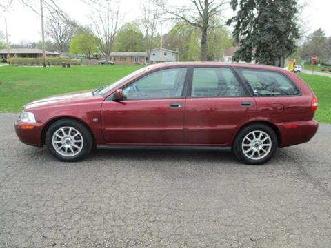 2004 Volvo V40 for sale in Canton, OH