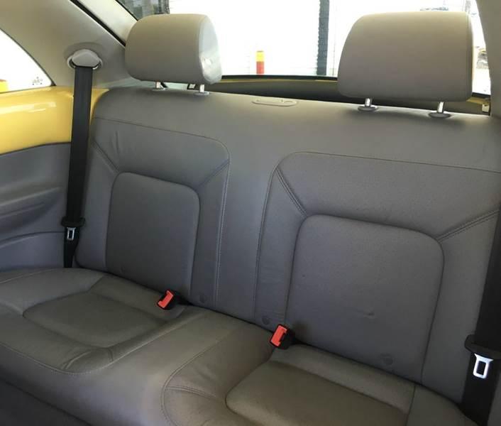 2006 Volkswagen New Beetle 2.5 2dr Hatchback w/Automatic - Ocean Springs MS