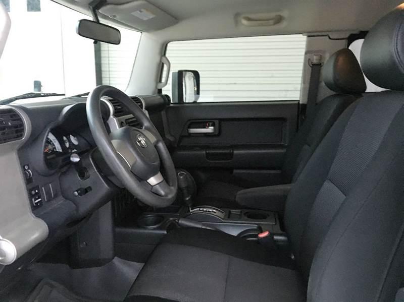 2007 Toyota FJ Cruiser Base 4dr SUV (4L V6 5A) - Ocean Springs MS