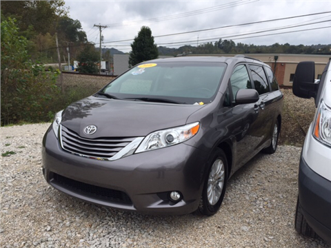 2016 Toyota Sienna for sale in Lavalette, WV