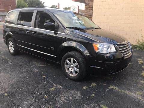 2008 Chrysler Town and Country for sale in Bridgeview, IL