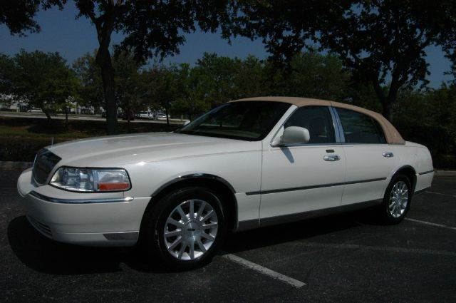 2006 Lincoln Town Car