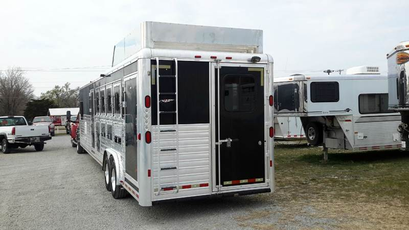 2007 Hart 4 Horse with Outlaw LQ and Mid 4 horse with Outlaw LQ and mid tack - Haysville KS