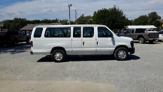 2008 Ford E-Series Wagon E-350 SD XL 3dr Extended Passenger Van - Haysville KS