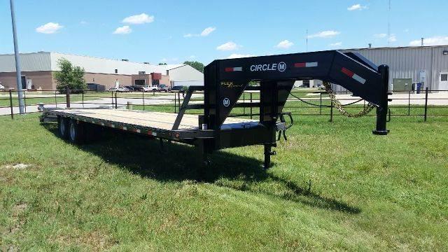 2015 Circle M 32'  Gooseneck Flatbed  - Haysville KS