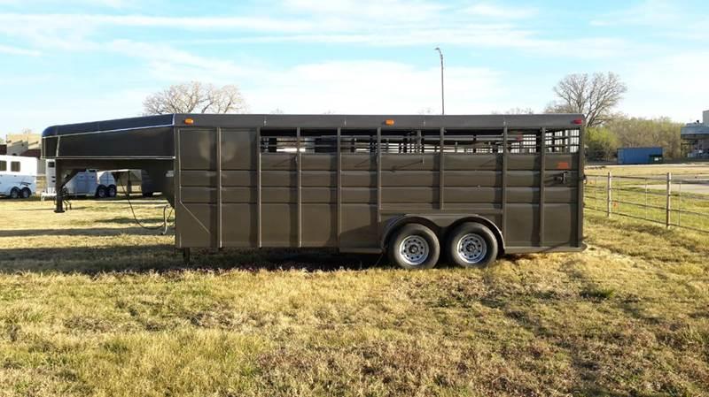 2017 Calico 20' Gooseneck Stock Tack  - Haysville KS