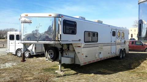 1998 Sundowner 3 Horse with LQ and Mid Tack