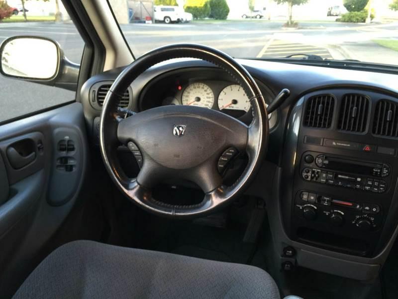 2005 Dodge Grand Caravan SXT 4dr Extended Mini Van - Lynden WA